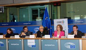 (Left to right: Claire Courteille, MEP Claude Rolin, Mgr Álvaro Ramazzini, Denise Auclair, Dr. Markus Krajewski) Credit: S. Cornet