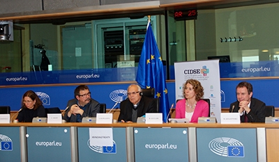 (Left to right: Claire Courteille, MEP Claude Rolin, Mgr Álvaro Ramazzini, Denise Auclair, Dr. Markus Krajewski) Credit: S. Cornet